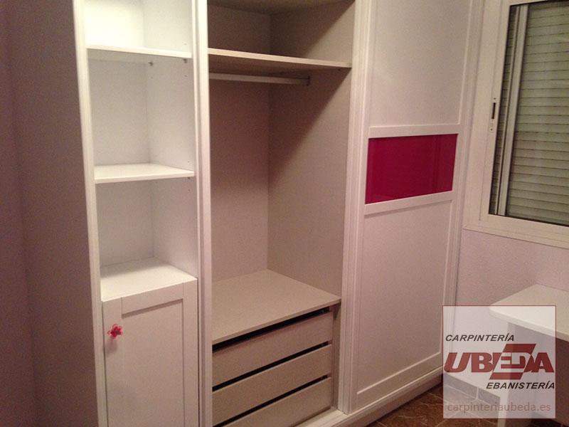 Armario a medida para dormitorio juvenil carpinter a de for Muebles empotrados para dormitorios